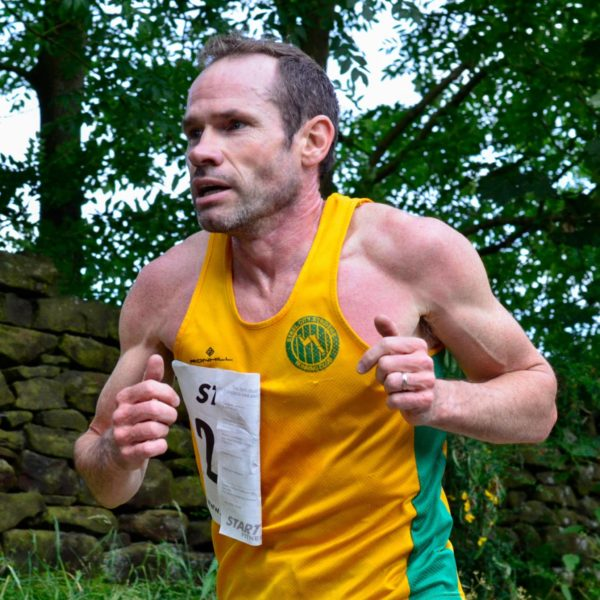 Andy Davies in action at the Thurlstone Chase