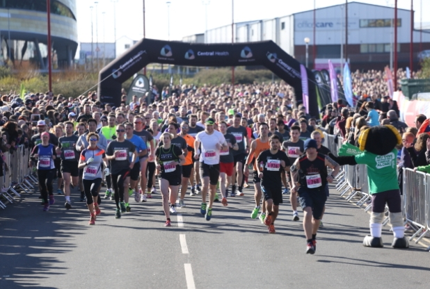 Picture: Alex Cantrill-Jones /ACJ Media DERBY 10K AT THE iPRO STADIUM Scores of runners took part in the 10K run at the iPRO stadium, Derby.