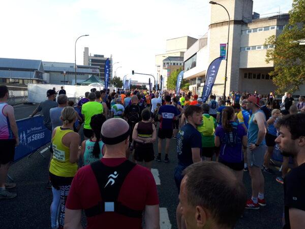 Runners in start funnel